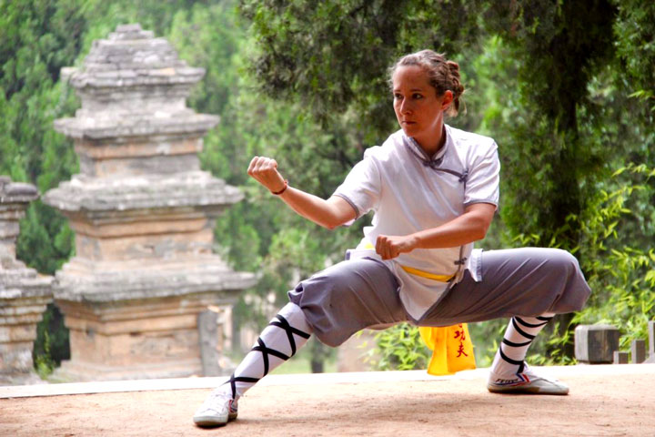 Instruktorenbild des Shaolin Chan Tempels Schweiz, Lin Yue, Stefanie Burri.