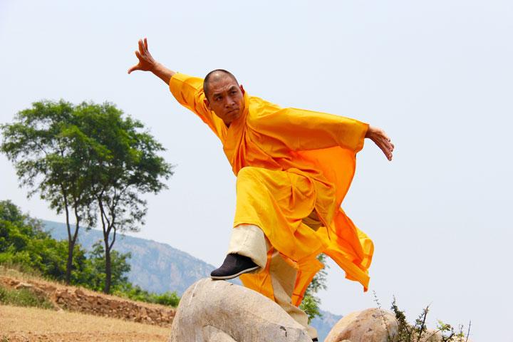 Shaolin Kung Fu Grossmeister Shi De Feng.