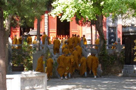 Shaolin Mönche im Shaolin Tempel China.