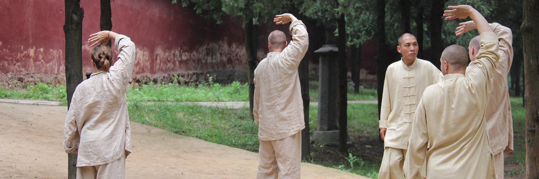 Shaolin Kung Fu Grossmeister Shi De Feng gibt traditionellen Unterricht.