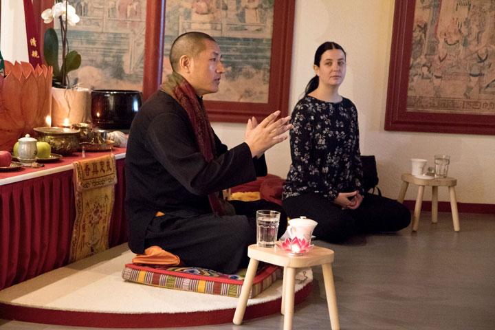 Tulku Lobsang unterrichtet Tummo im Shaolin Chan Tempel