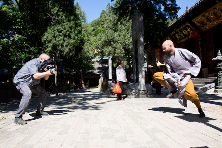 Dokumentarfilm über Shi Xing Long - Aufnahmen im Shaolin Kloster.