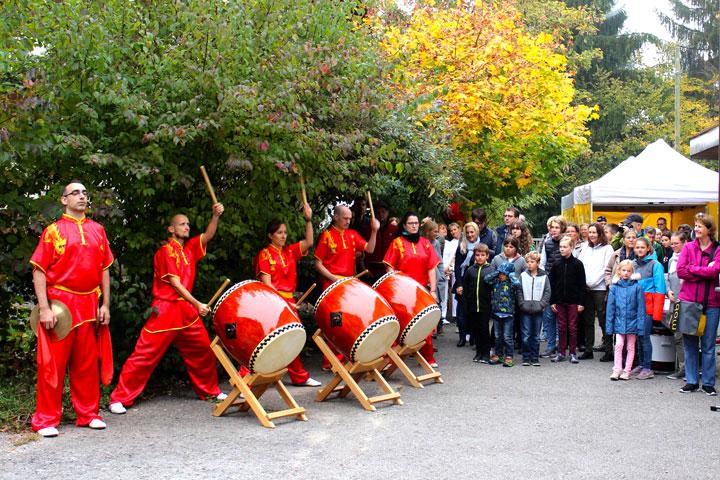Löwentanzauftritt im Shaolin Chan Tempel Institut Aargau