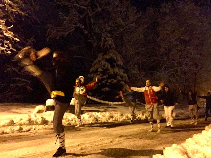 Kung Fu Aussentraining im Schnee.