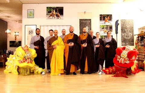 Bild mit Meister und Instruktoren vom Shaolin Chan Tempel Schweiz.