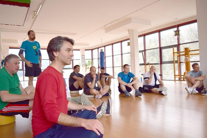 Schindler Aufzüge AG im Shaolin Chan Tempel Schweiz. Gruppenbild.