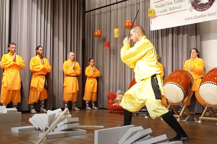 Eine Übung aus dem Iron Qi Gong