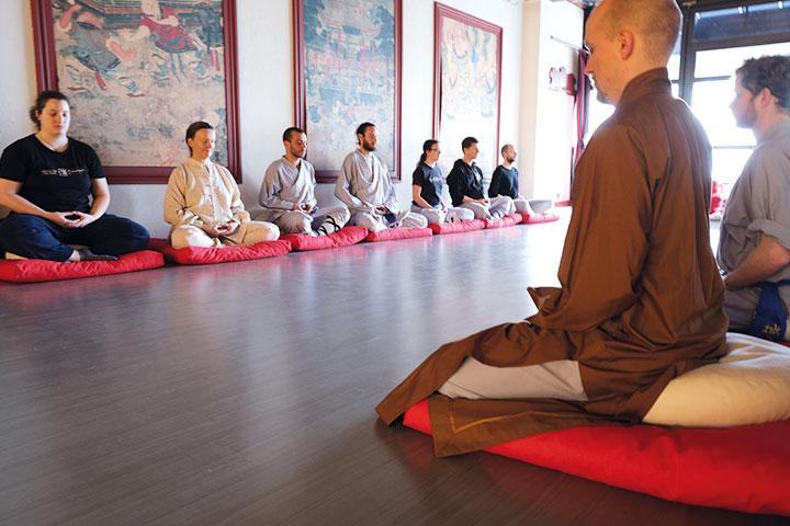 Menschen bei der Meditation
