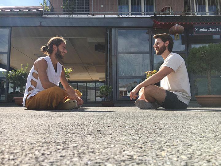 Gespräch von zwei Personen